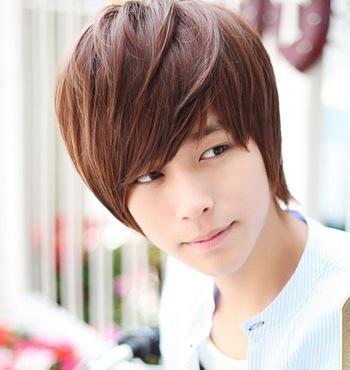 gaya rambut pria korea overlay long bangs